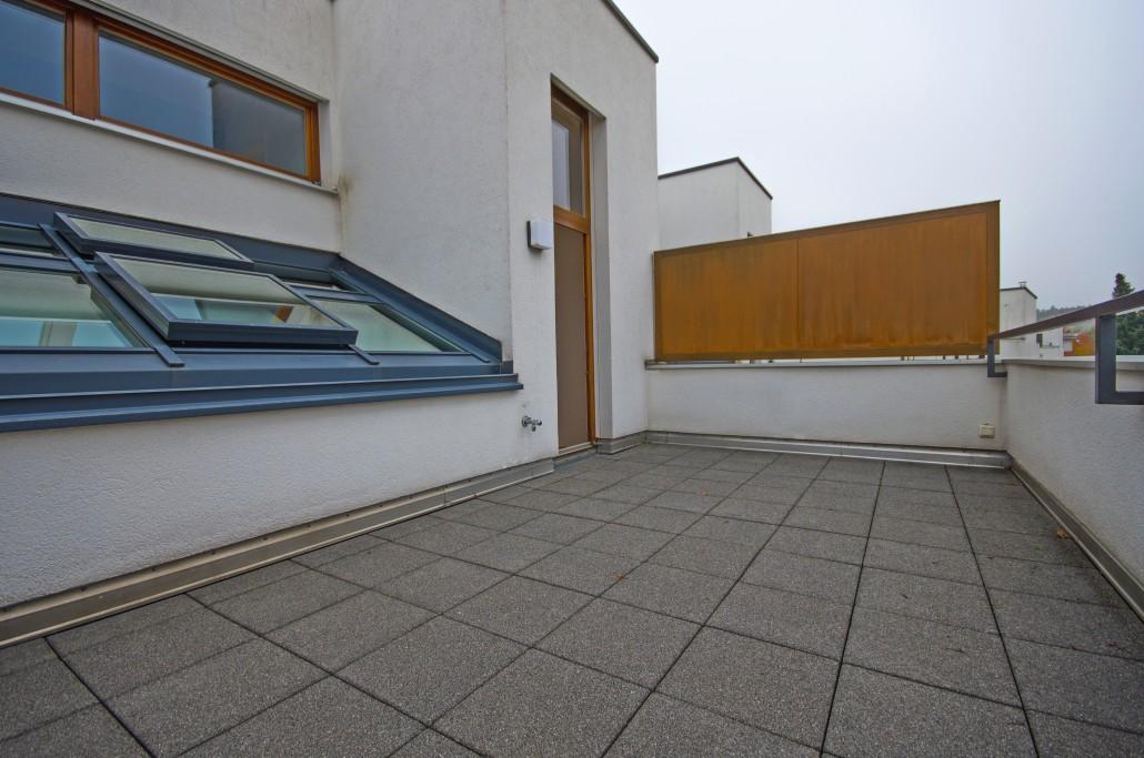 weber immobilien konflikte vermeiden auf balkon und terrasse. Black Bedroom Furniture Sets. Home Design Ideas